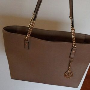 Beautiful 💝excellent condition Michael Kors bag
